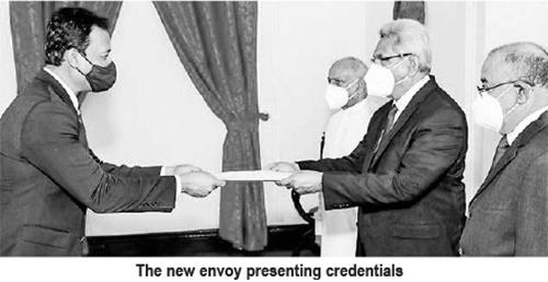 New Bangladesh HC briefs President on socio-economic development in his country
